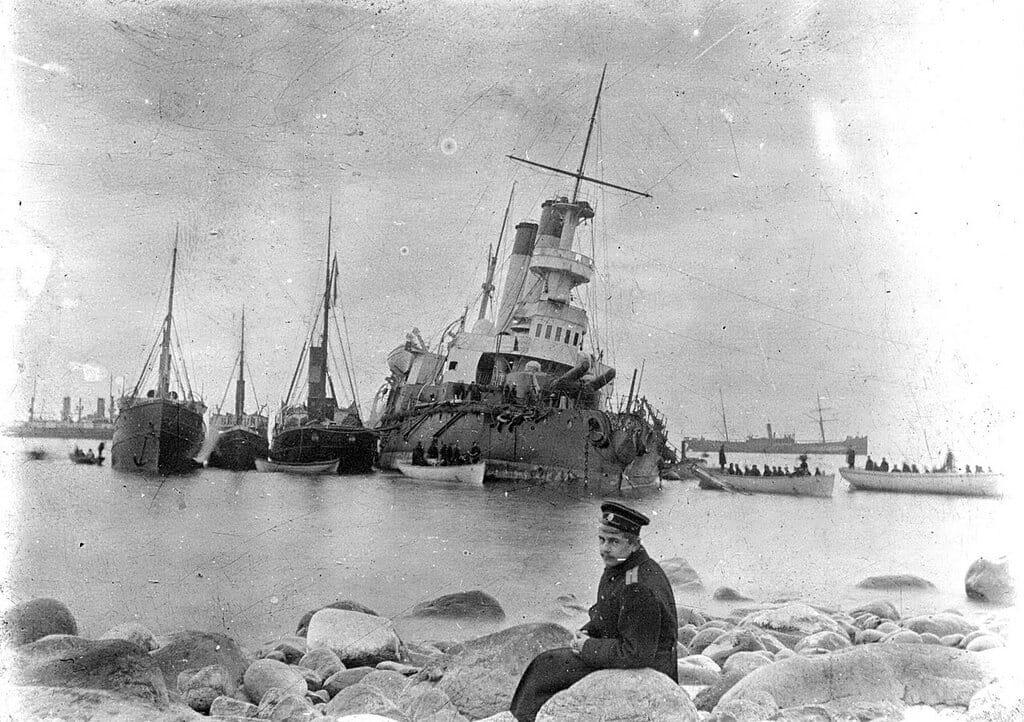 Генералъ-Адмиралъ Апраксинъ у острова Гогланд, осень 1899 г