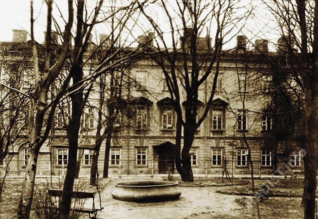 Минный офицерский класс, Кронштадт. Снимок 1912 года.