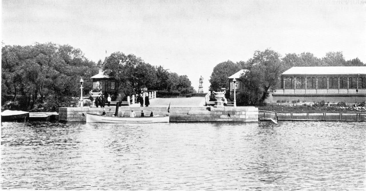 Петровская пристань. Вид со стороны гавани, Кронштадт 1900-1914 гг.