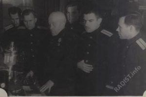 Рыбкин П.Н. среди слушателей офицерской школы связи в Кронштадте. 1945-1946 гг
