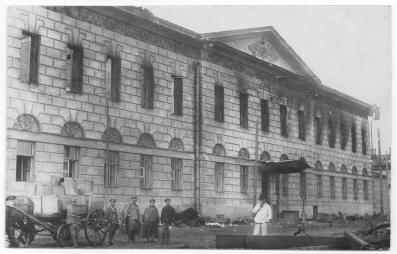 Здание таможни после пожара, Кронштадт 1921 г