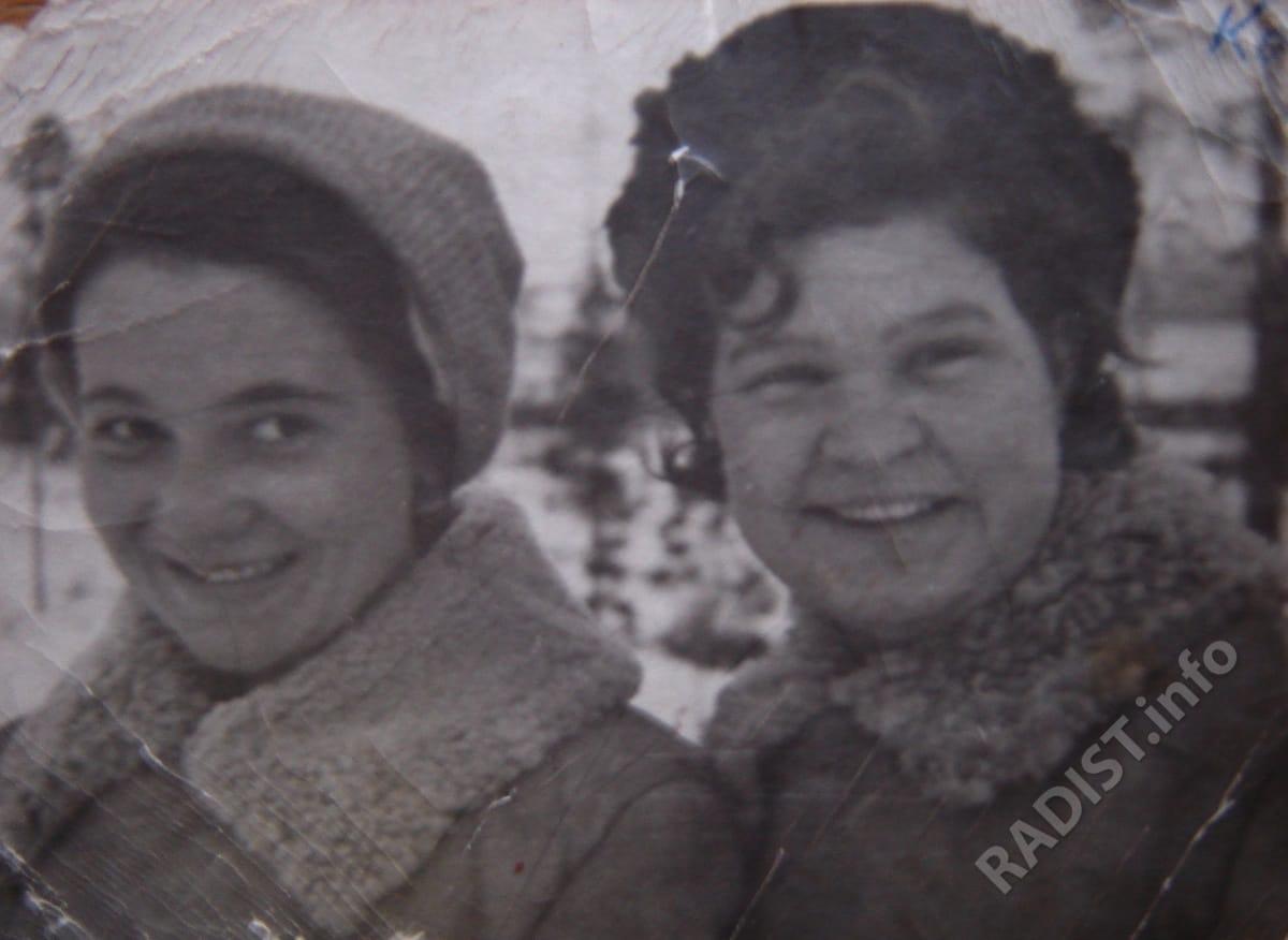 Радистка Зуева Л. и врач Кузнецова С. Партизанский отряд «Полярник», 1942 г.
