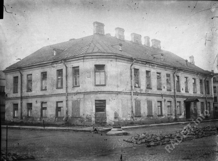Дом в Кронштадте, где жил А.С. Попов. Снимок конец XIX в.