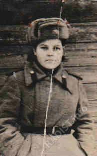 Еремина Евдокия Владимировна, младший сержант, радист-кодировщик, 1945 г.