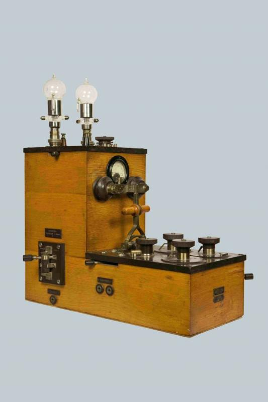 Радиоприемник детекторный с ламповым усилителем, РОБТиТ, 1917 г.