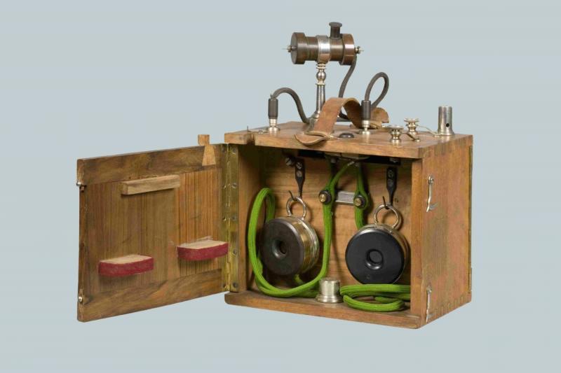 Радиоприемник детекторный, системы Попова-Дюкрете начала 1900-х годов.