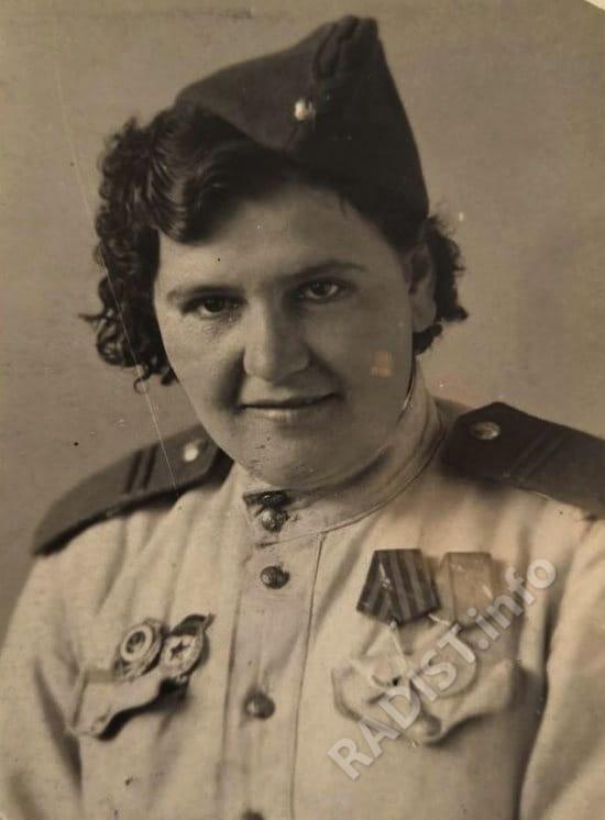 Раиса Бабенко (Курнешова) - радист-разведчик 10-го гв. Уральского добровольческого танкового корпуса, 31 декабря 1944 г.