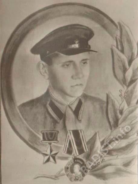 Ращупкин Андрей Иванович, младший сержант, радист-стрелок танка 46 танкового полка. Герой Советского Союза от 17.12.1941 г.