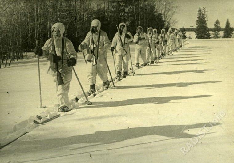 Разведчики и радисты в тылу противника. Западный фронт, февраль 1942 г