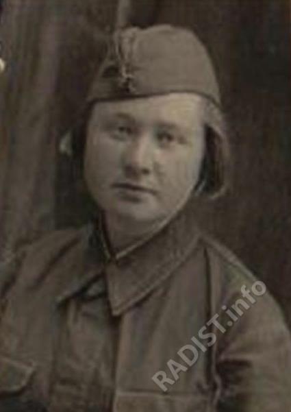 Сорокина Александра Васильевна – наблюдатель-радист, 1942 г.