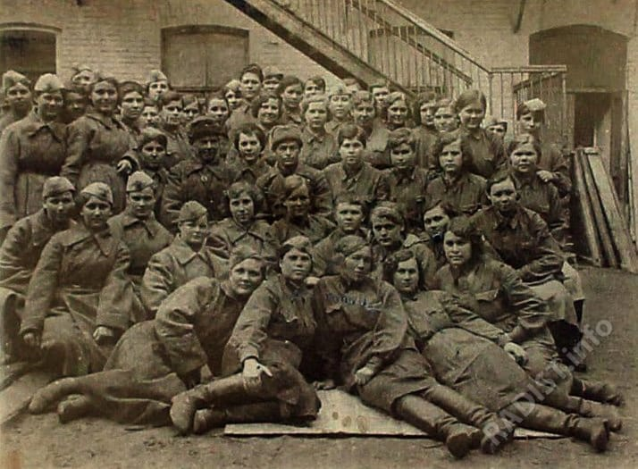 Связисты 6 отдельного полка связи 28 Армии, 1942 г.
