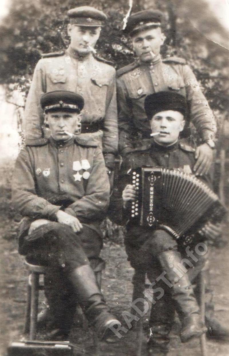 Связисты 7-й Гвардейской Сталинградско-Корсунской Краснознаменной бригады, 1944-1945 гг.