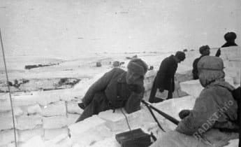Связисты. Сталинградский фронт. СССР, Сталинградская область, 1942 г.