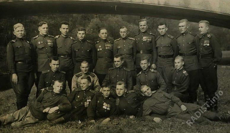 Военные связисты 111 ОГБС 321 стрелковой дивизии, 1945 г.