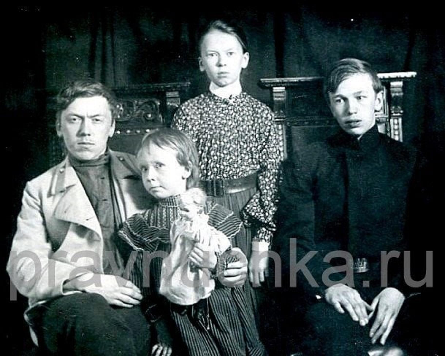 Дети А.С. Попова, 1904 г.