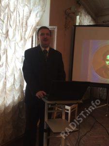 С докладом выступает сотрудник Мемориального Музея-Кабинета А.С. Попова в Кронштадте – Сергеев Дмитрий Борисович