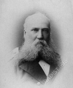 Адмирал Пилкин Константин Павлович. Основатель МОК, с 1874 по 1877 годы командир Учебного минного отряда.